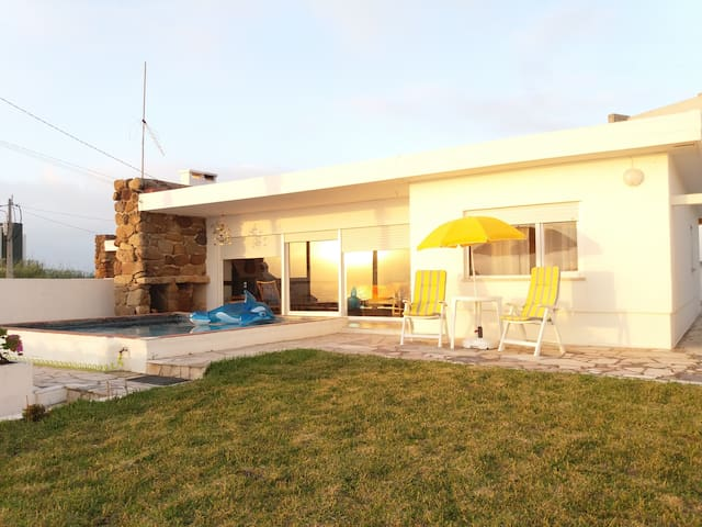 Genuine Summer House - Santa Cruz, Torres Vedras.