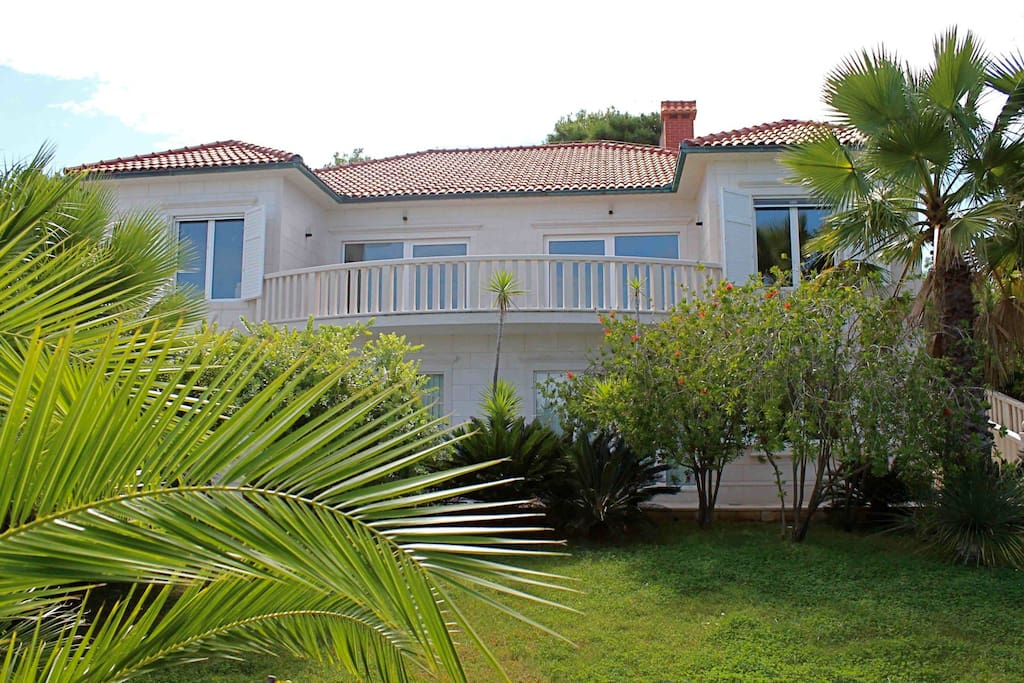 The apartments are located in a nice Villa With Sea View