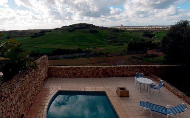 Narcisa- *Villa with pool & views*