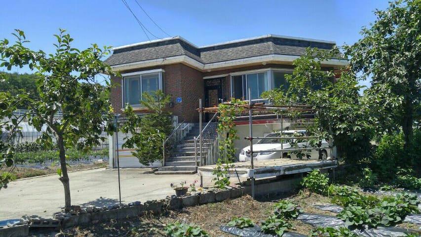 강릉시 옥계면에 위치한 단독주택(4~8명)약도는 위 사진에..