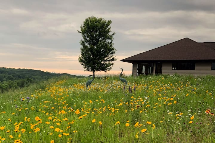 The Prairie House - hiking & trails