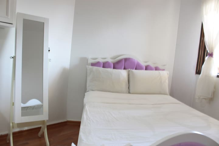 Free WiFi Luxury Tel-Aviv 5 bd apt, min from beach