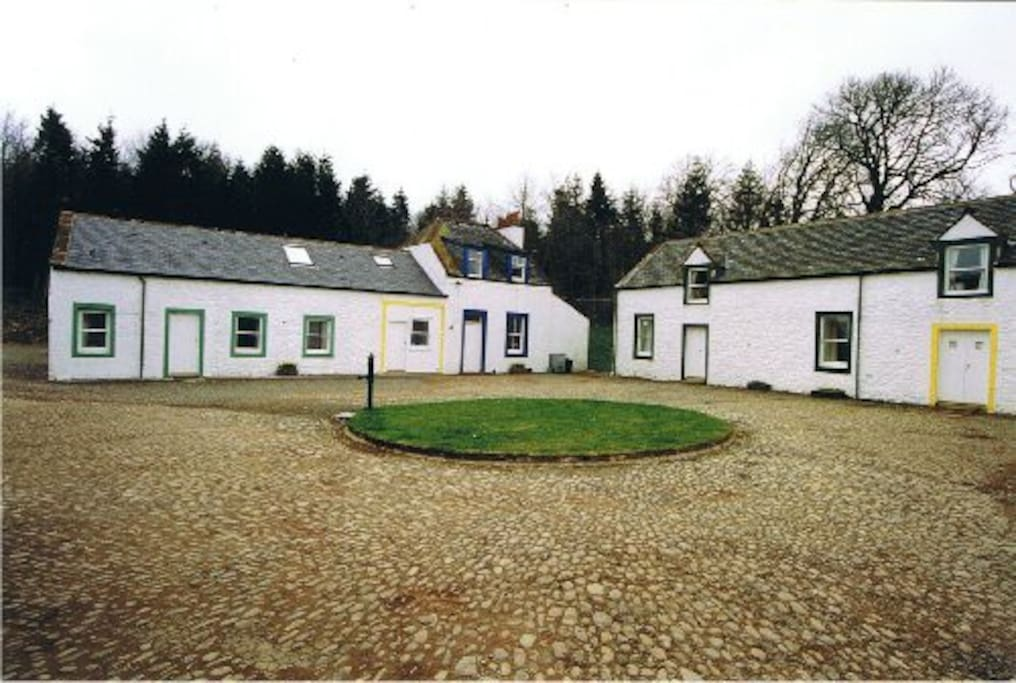 The Courtyard of Cottages