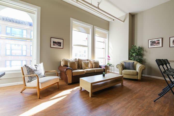 Downtown Denver 2BR Apt- Loft Style Living!