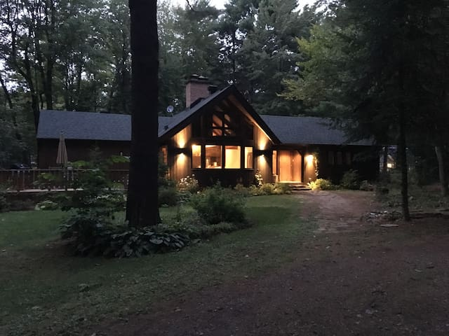4 bed. Modern-Rustic House (long-term)