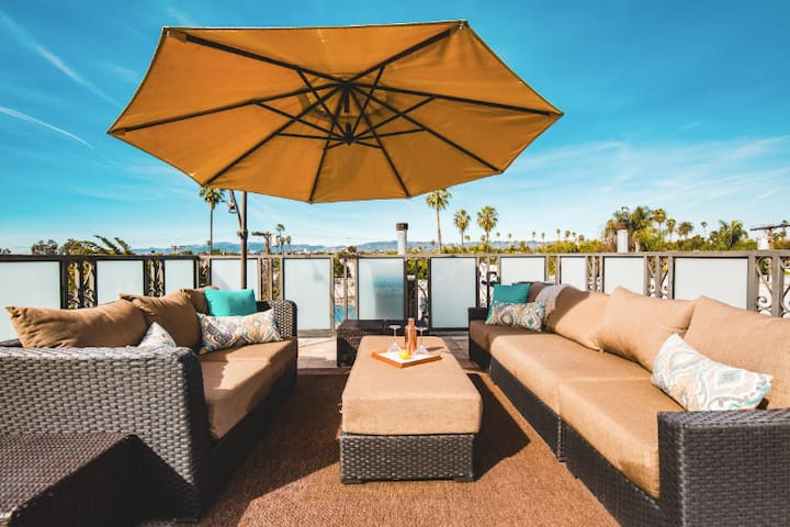 Striking 5BR Venice Home - minutes from the beach!