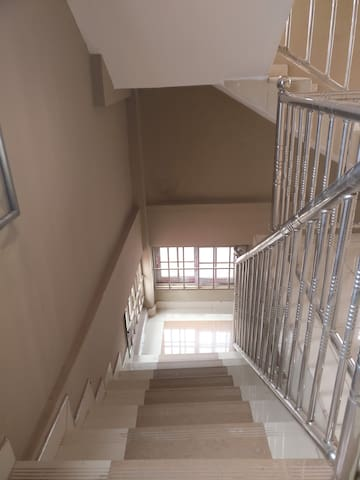EASILY ACCESSIBLE STAIRWAYS