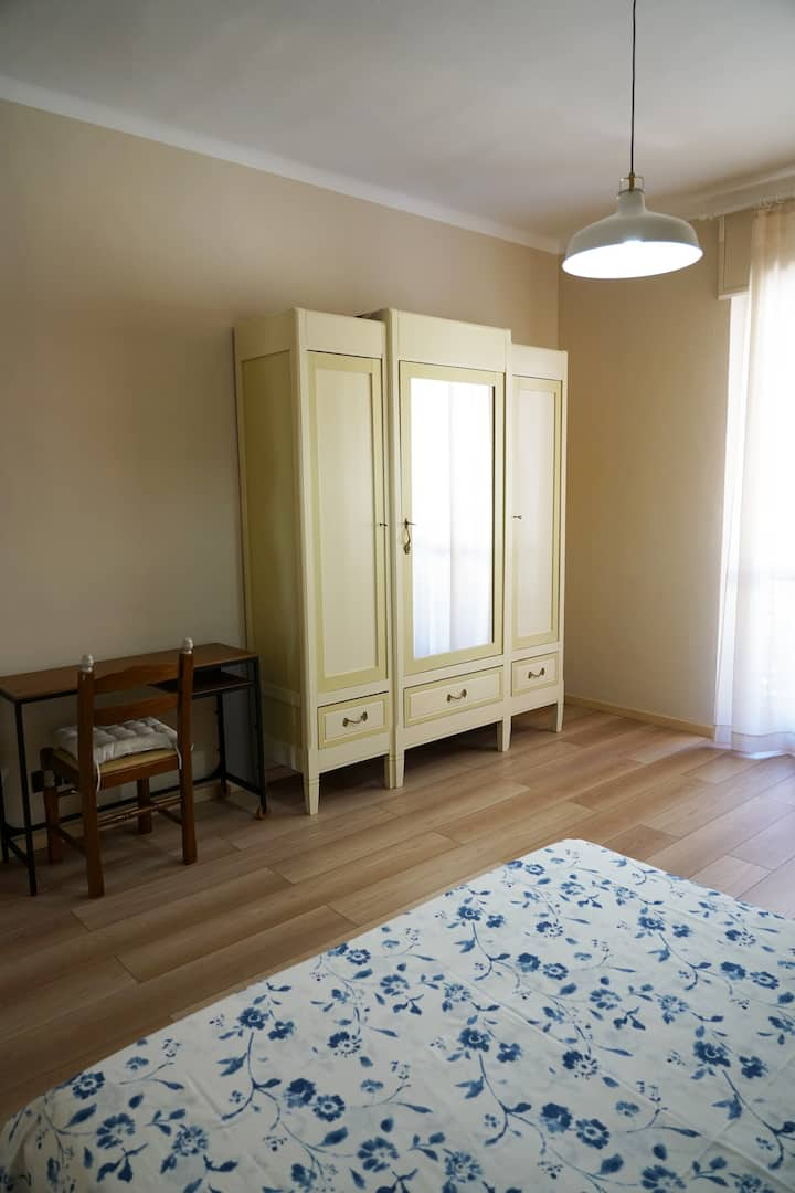 Orbassano, private room with bathroom for 2/3