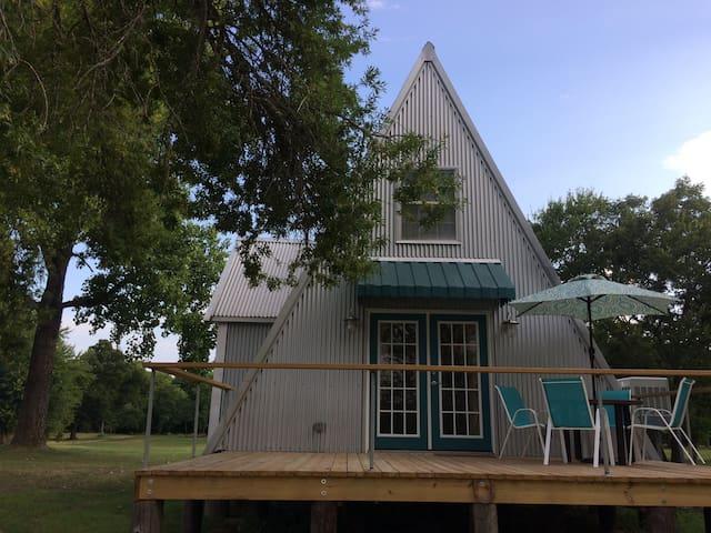 Smithville River Cabin