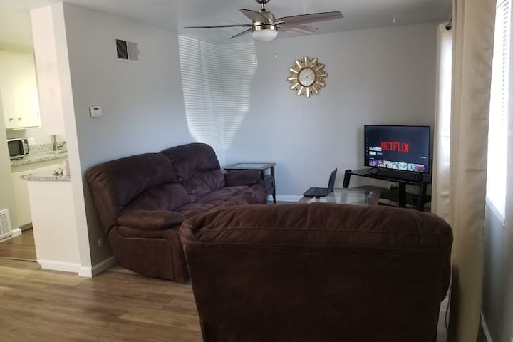 SPACIOUS 2 Bedrooms Apartment Near City Of Modesto