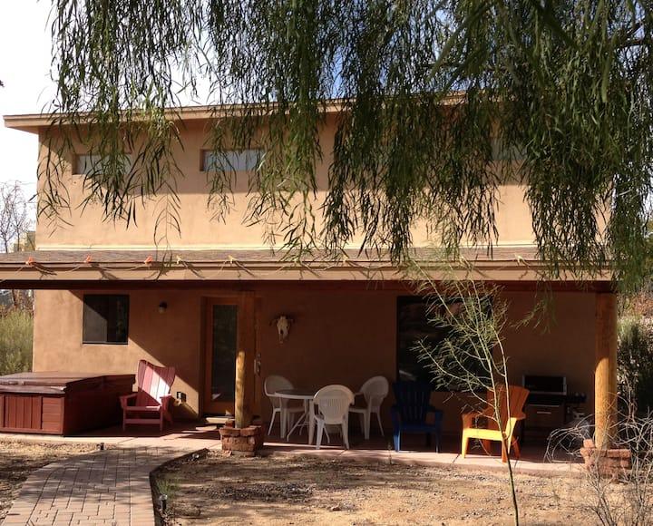 Cozy Scottsdale Artsy Guest Casita—Casa des Artes
