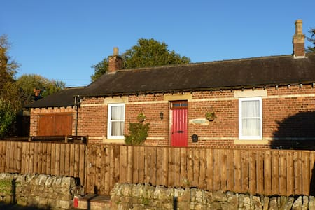 Charming isolated cottage, Redesmouth, Bellingham