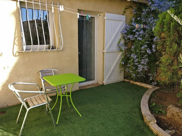 Studio in the garden - Aubagne - Apartament