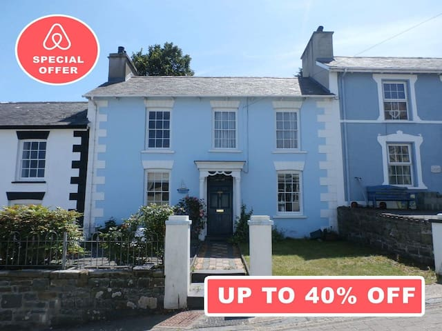 **CUTE and COSY Seaside Family home**