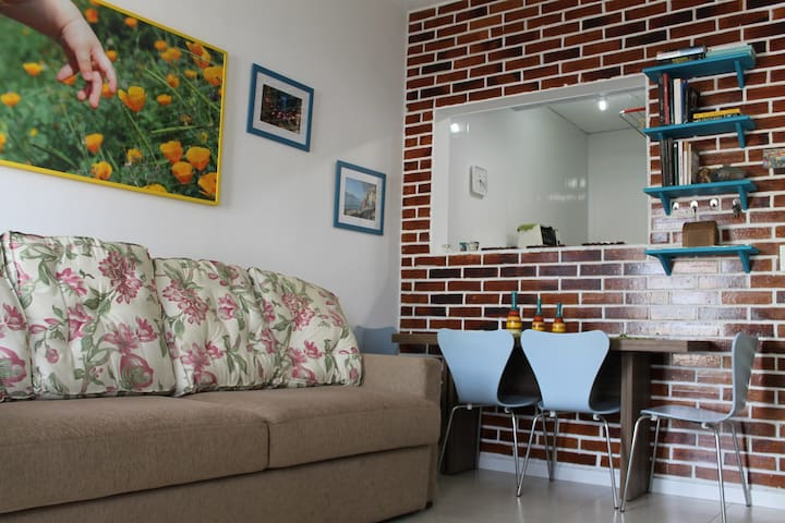 Renovated Ground floor apartment near Itajuru Ch,