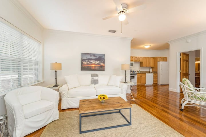 Charlotte Suite - 1BR/1B - 2 guests > 14-yrs old/4 total