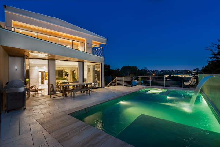 NEW ocean view mansion on Palisades-Malibu strip