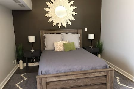 Private Guest House just minutes from Columbus Zoo