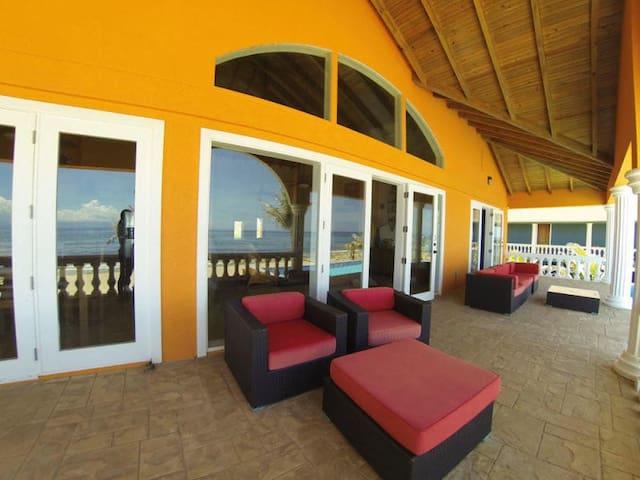 Casa Naranja- luxurious elegance & stunning vistas