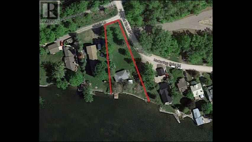 1/2 acre lot with plenty of privacy