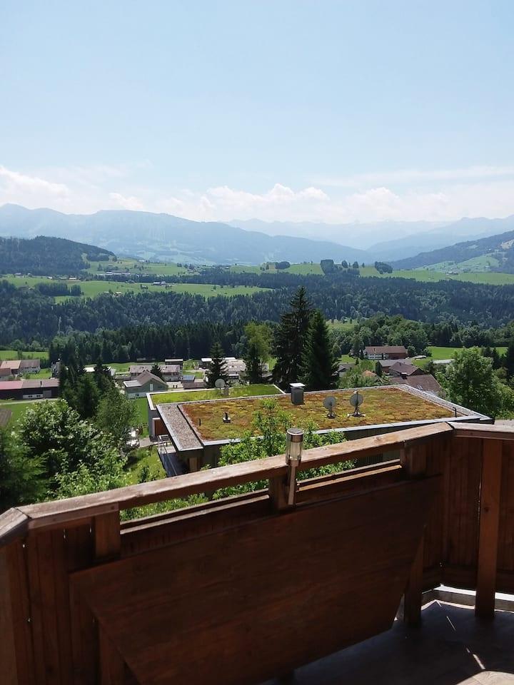 Ferienwohnung mit Balkon und Panoramablick