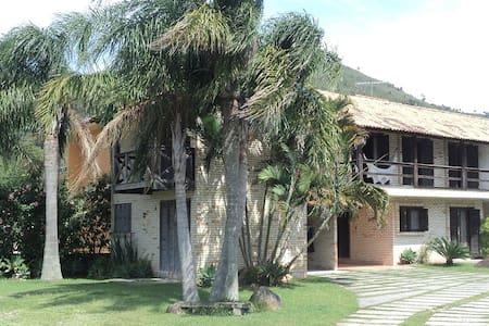 Aprazível condomínio perto da praia. - Governador Celso Ramos - Condominium