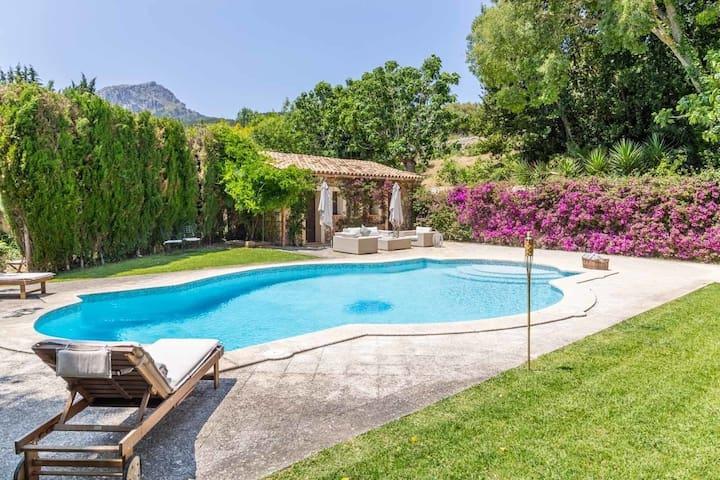 Ferienhaus für 8 Gäste mit 250m² in Puigpunyent (120624)