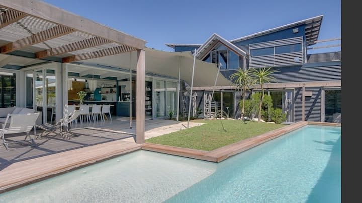 Architectural Beach Villa - Klein Slangkop Estate