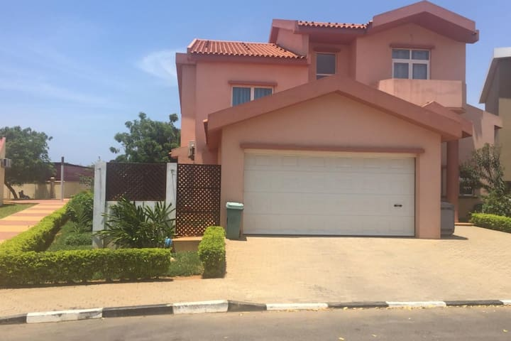 FURNISHED HOUSE FULL 4 BEDROOMED
