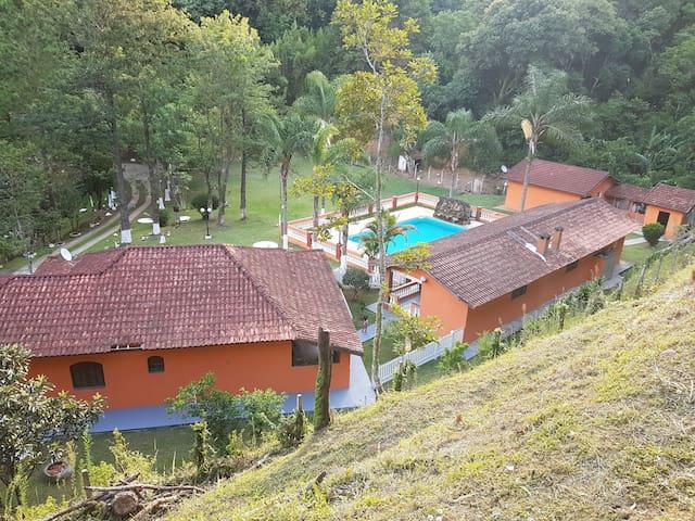 Chácara para verão e inverno a 40 Km de São Paulo - Mairiporã - บ้าน