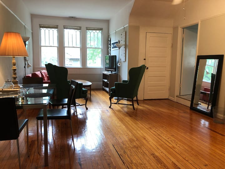 Private Apt#5, Grand Old 1908 house Candler Park