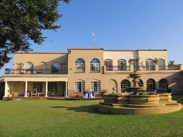 Villa Bu'Dou Guest House & Conference Hall