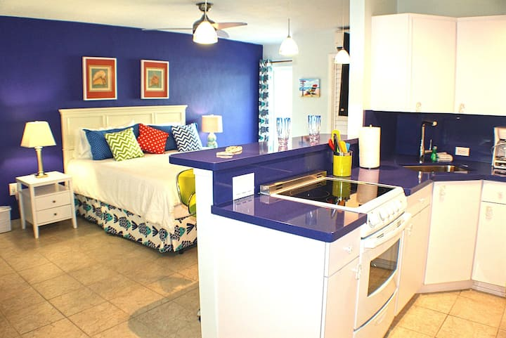 Ocean Blue Condo, Key Colony Beach Heated Pool