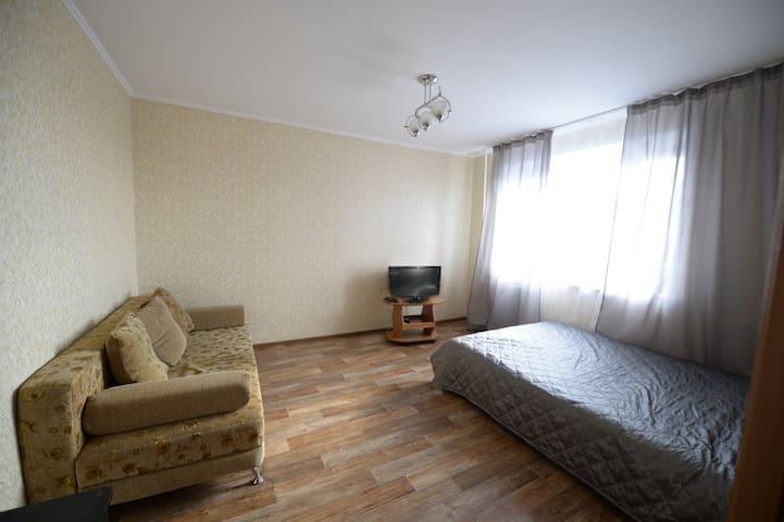 2-ая чистая квартира на Михаила Сперанского, 25 - Tyumen' - อพาร์ทเมนท์