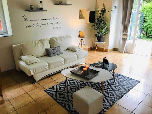 Charmante maison avec cuisine équipée et jardin