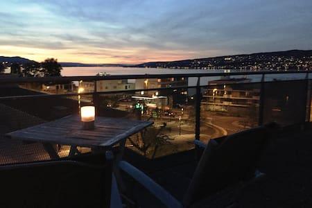 Stunning Lake View, Bright&Airy Apt incl parking - Horgen - Apartemen