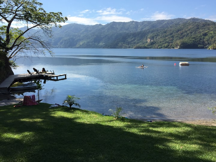 Modern charming Lake house, Ilopango Sur