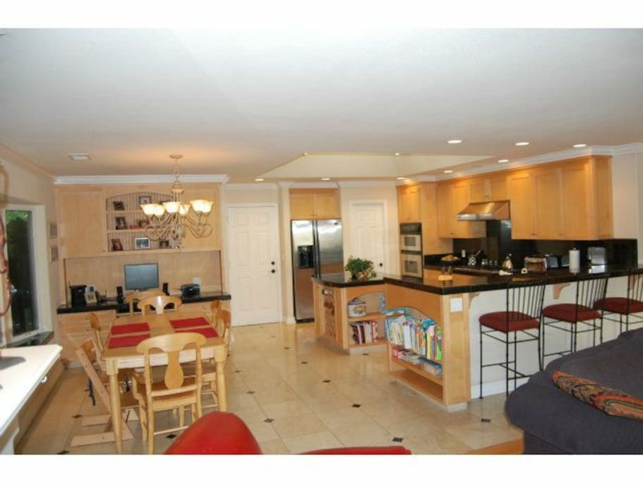 fully equipped kitchen, dining room for 8+ an. working desk