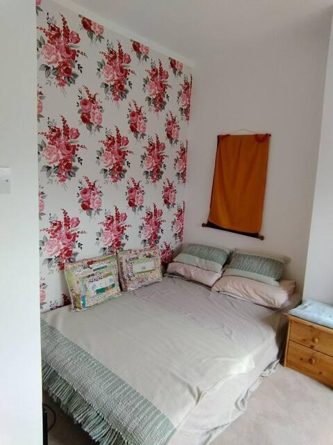 Peaceful room on a leafy Carlisle street.