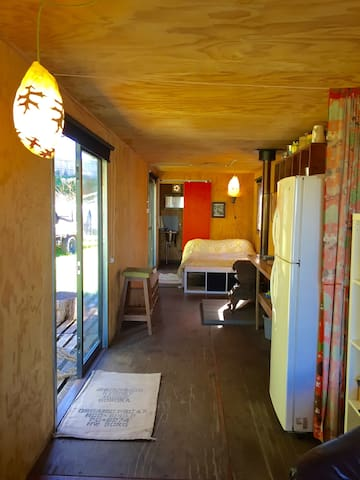 Stylishly renovated lo-fi artisan container - Kangaloon - Kabin