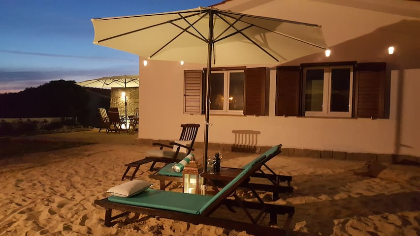 Moradia MonteMar, T2,Porto Covo, 150m da Praia - Sines - Talo