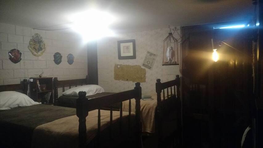 Neverland-Cama#1 em quarto mágico compartilhado
