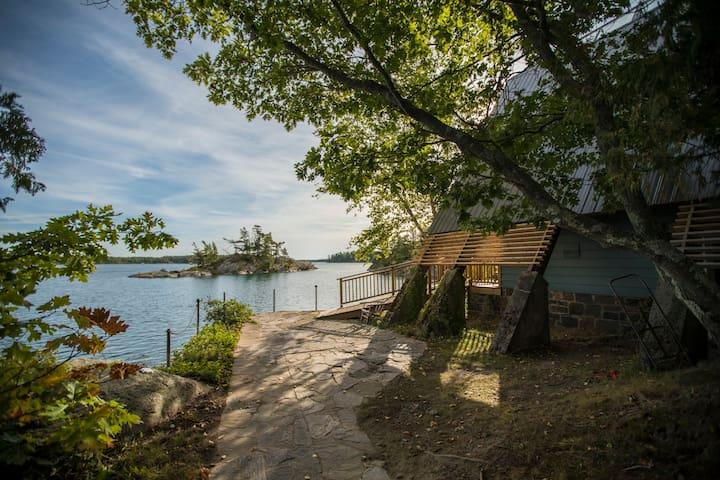 A Frame w/Garden Cabin Bernyk Island (Sans Souci)