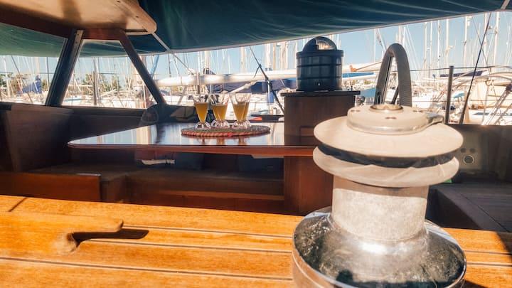 Magnifique voilier 12 mètres à Porquerolles!
