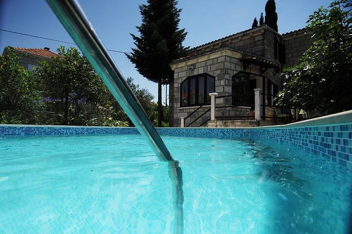 House for rest IRIS - Čilipi