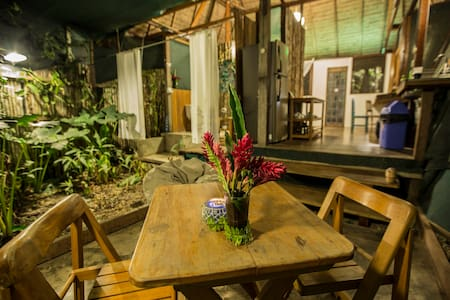Lovely private Cabin in Amazon - Breakfast incl.