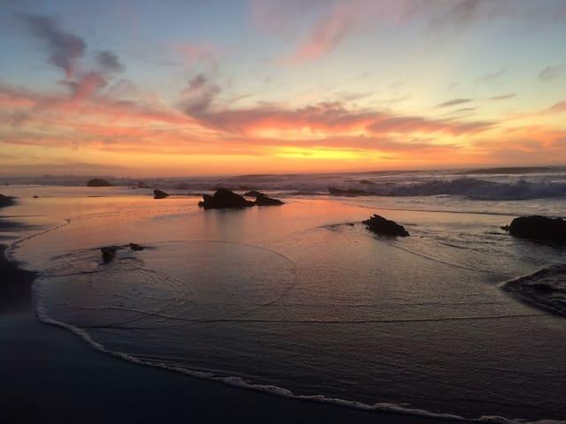 Cabaña en la playa x8pers /Beach house x8pers - Pichilemu - Cabaña