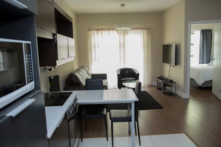 Perfect Traveler's Apartment in Sandton 2