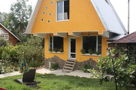Дом на окраине Олимпийской деревни - Verkhneveseloye - Maison