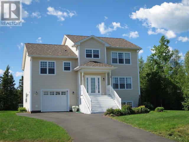 House in Truro 40 minutes from Airport. - Truro - Casa